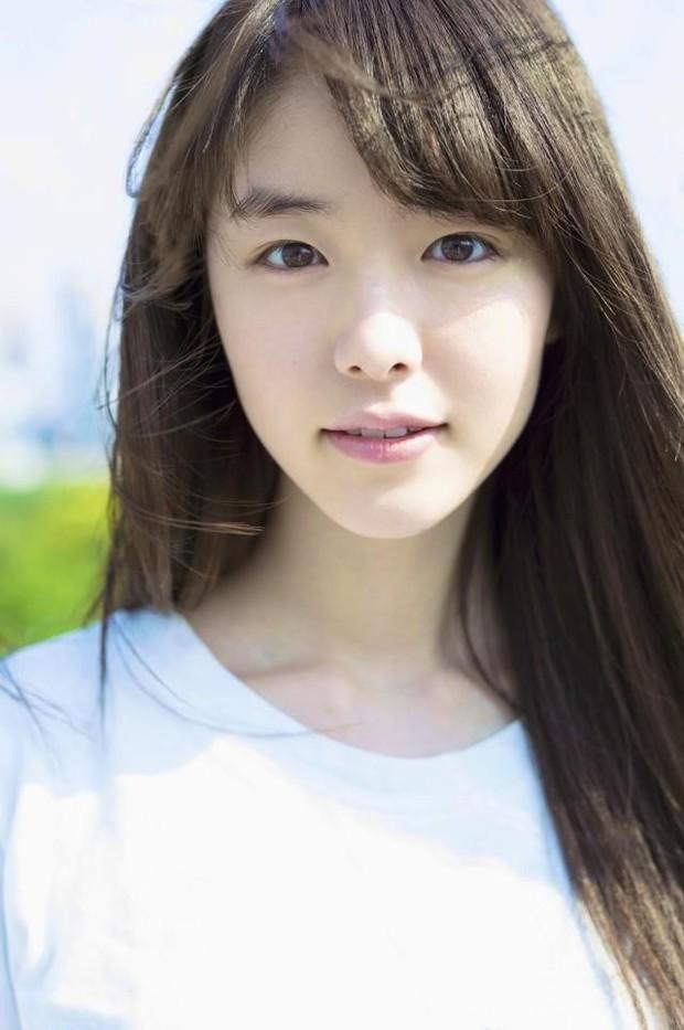 Mỹ nhân bí ẩn át cả Song Joong Ki leo thẳng lên top 1 tìm kiếm: Được phát hiện khi đang làm ruộng, xinh cực phẩm! - Ảnh 9.