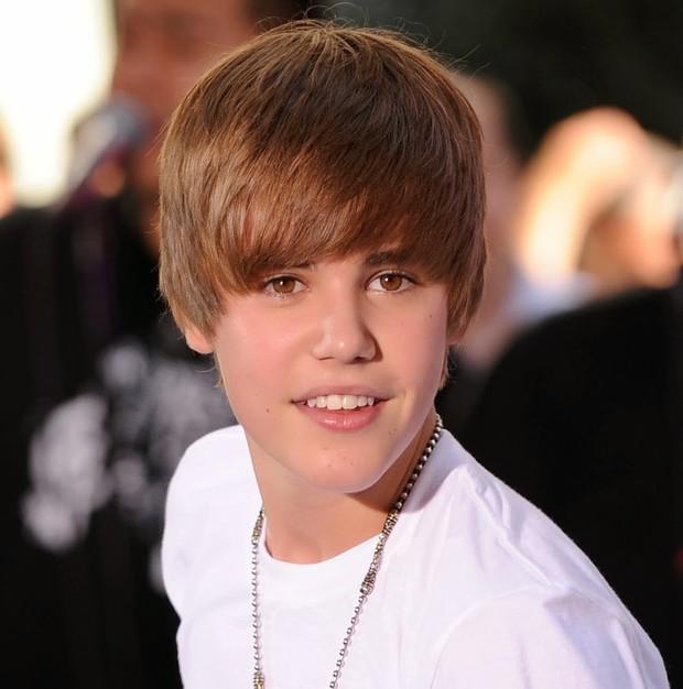 Xem lại các bản cover thời ngố tàu mới thấy: Justin Bieber, Shawn Mendes và loạt nam thần US-UK đã có những ca đổi đời thần kỳ - Ảnh 6.