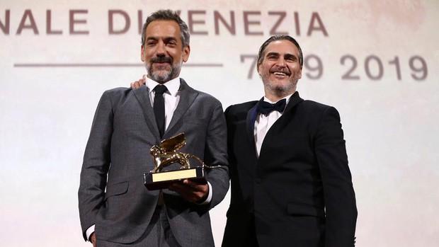 Chủ nhân Sư Tử Vàng cao quý của LHP Venice gọi tên Gã Hề JOKER, giấc mơ Oscar không còn xa nữa đâu! - Ảnh 4.