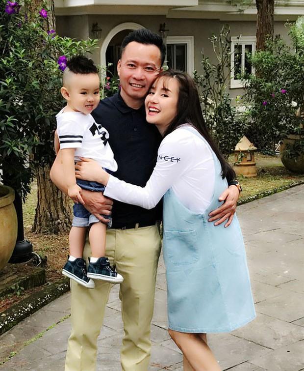 Lấy chồng đại gia, ở biệt thự 40 tỷ, ca sĩ Vy Oanh đắn đo: Chọn trường nào cho con trai học để không cảm giác quá đầy đủ - Ảnh 1.