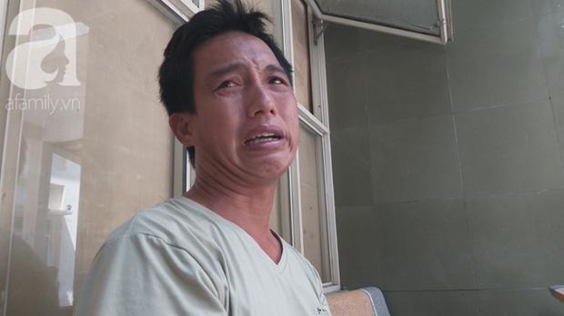 Bố của bé trai 10 tuổi bị người thân chém đứt lìa bàn tay ở Bắc Giang: Giờ tôi chưa dám lại nhìn con - Ảnh 1.
