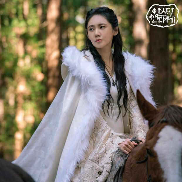 7 bóng hồng của Song Joong Ki ở Arthdal: Hết BLACKPINK, con lai Nga Hàn tới mỹ nhân Nhật đẹp nức lòng người xem - Ảnh 28.