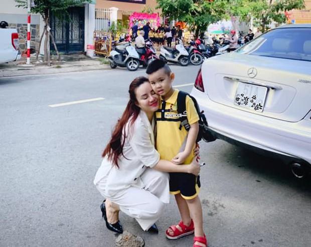 Lấy chồng đại gia, ở biệt thự 40 tỷ, ca sĩ Vy Oanh đắn đo: Chọn trường nào cho con trai học để không cảm giác quá đầy đủ - Ảnh 3.