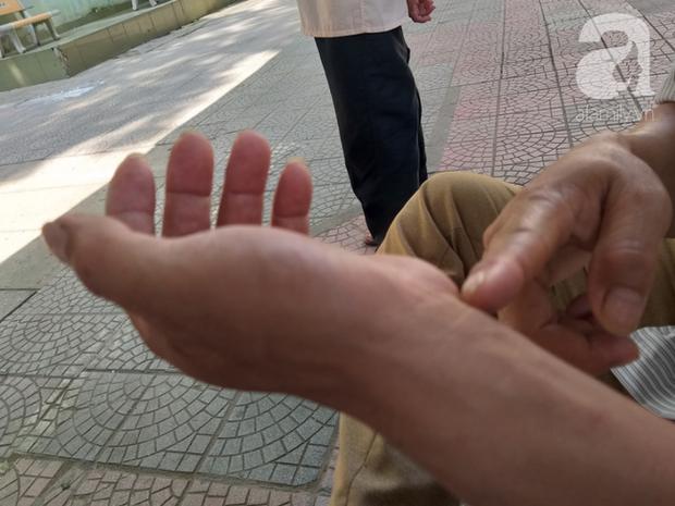 Bố của bé trai 10 tuổi bị người thân chém đứt lìa bàn tay ở Bắc Giang: Giờ tôi chưa dám lại nhìn con - Ảnh 4.