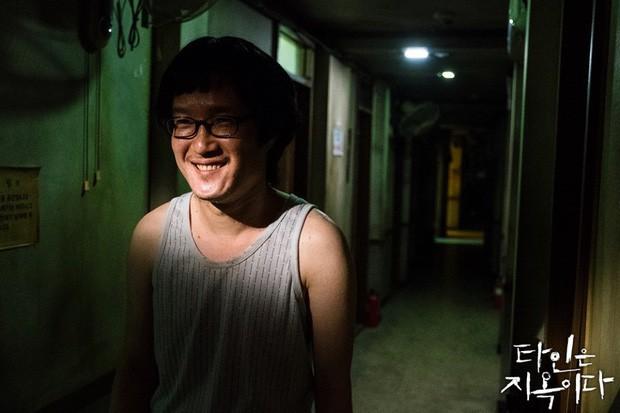 5 kẻ kì quái ở nhà trọ Strangers From Hell: U mê nhan sắc Lee Dong Wook coi chừng bị anh làm thịt - Ảnh 4.