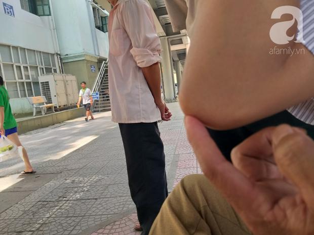 Bố của bé trai 10 tuổi bị người thân chém đứt lìa bàn tay ở Bắc Giang: Giờ tôi chưa dám lại nhìn con - Ảnh 5.