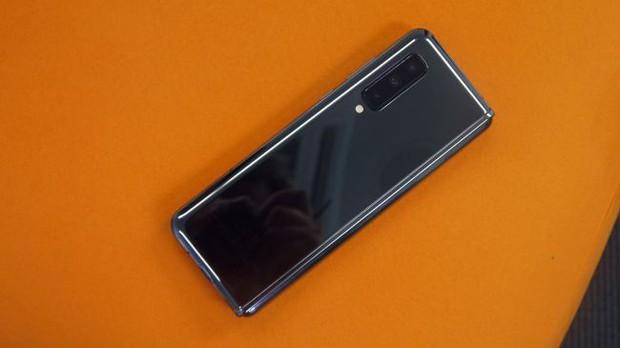 Những cảm nhận đầu tiên về siêu phẩm màn hình gập Samsung Galaxy Fold - Ảnh 7.