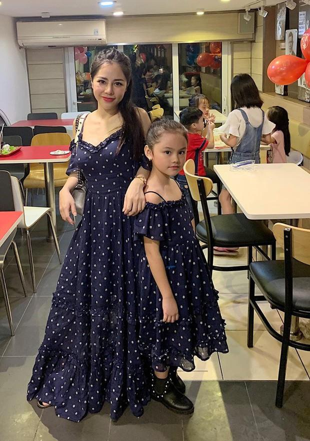 Ngọc Anh, Nam Thương lên đồ trẻ trung, đọ vẻ sang chảnh với Huyền Baby trong street style hot mom tuần này - Ảnh 7.