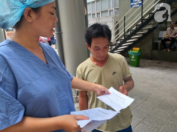Bố của bé trai 10 tuổi bị người thân chém đứt lìa bàn tay ở Bắc Giang: Giờ tôi chưa dám lại nhìn con - Ảnh 8.