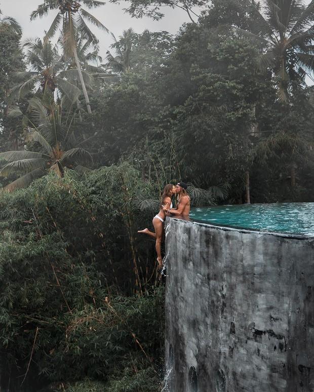 """""""Thót tim"""" trước loạt ảnh du lịch đánh cược cả tính mạng của các cặp travel blogger nổi tiếng: Là sáng tạo hay liều lĩnh? - Ảnh 4."""
