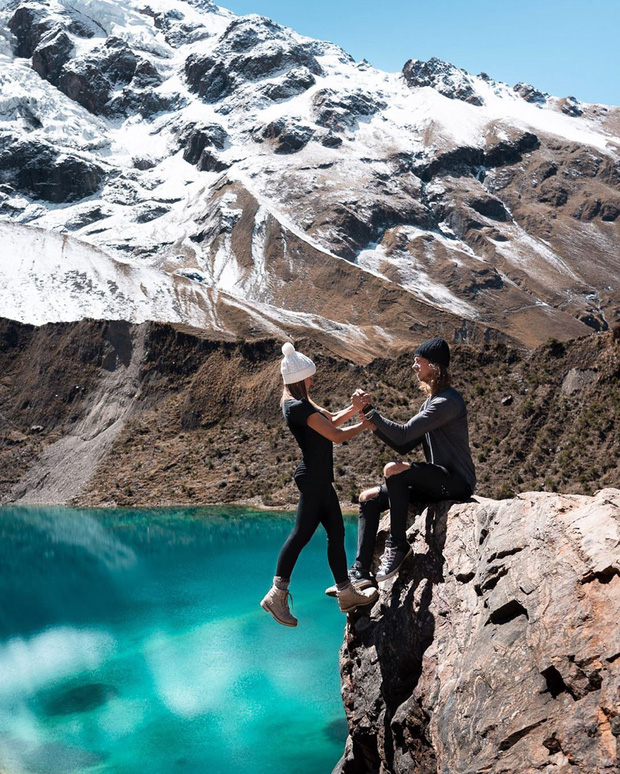 """""""Thót tim"""" trước loạt ảnh du lịch đánh cược cả tính mạng của các cặp travel blogger nổi tiếng: Là sáng tạo hay liều lĩnh? - Ảnh 2."""