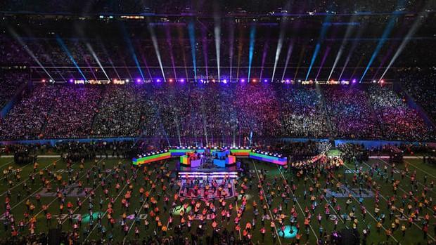 Không phải Taylor Swift hay Rihanna, đây mới chính là cái tên chiếm sóng Super Bowl Halftime Show 2020? - Ảnh 1.