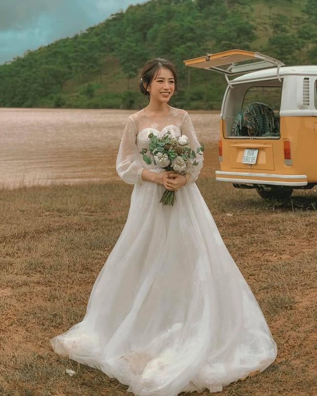 Ngoài sưu tầm đồ hiệu, con gái đại gia Minh Nhựa và chồng mới cưới còn cực mê du lịch sang chảnh - Ảnh 3.