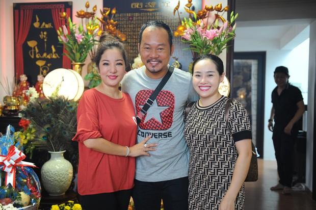 Thúy Nga lần đầu tổ chức cúng Tổ nghề ở Việt Nam sau khi sang Mỹ, Minh Nhí và dàn nghệ sĩ cùng tề tựu dâng hương - Ảnh 5.