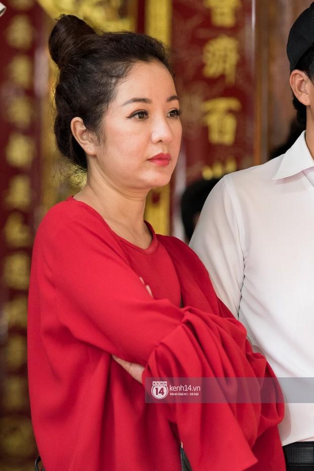 Đào Bá Lộc, Huỳnh Lập cùng dàn nghệ sĩ tề tựu tại nhà thờ của Hoài Linh dự giỗ tổ sân khấu - Ảnh 4.