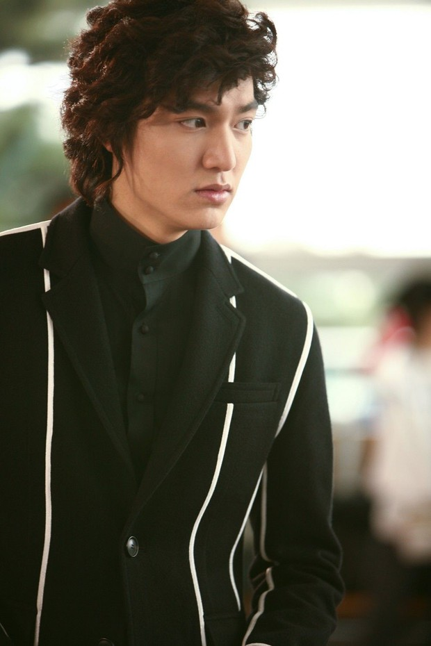 5 tạo hình lạnh lùng đến rợn tóc gáy của mỹ nam xứ Hàn: Lee Min Ho bá đạo không ai làm lại! - Ảnh 7.