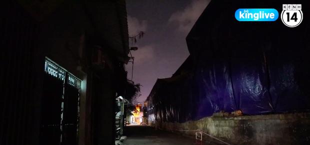 27,2kg thủy ngân phát tán ra môi trường sau vụ cháy Rạng Đông: 90% cư dân 1 tòa chung cư di tản, đường phố vắng tanh - Ảnh 2.