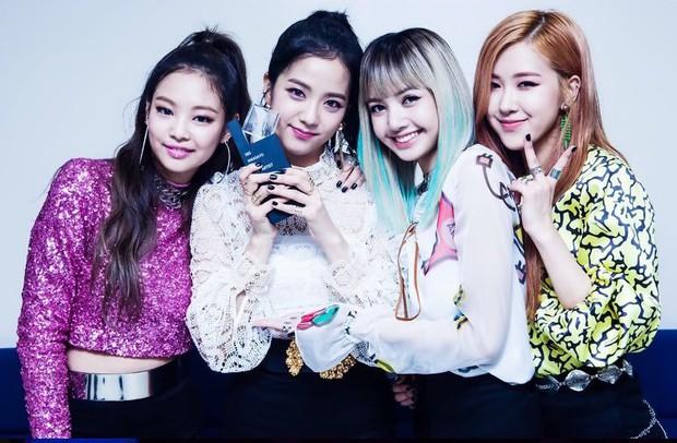 """10 girlgroup """"ẵm"""" nhiều cúp âm nhạc nhất: BLACKPINK mất hút, quán quân vẫn là 1 huyền thoại Kpop Gen 2 - Ảnh 11."""