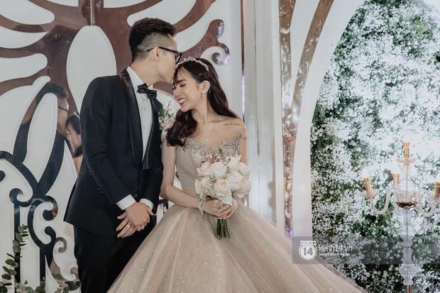 Ngoài sưu tầm đồ hiệu, con gái đại gia Minh Nhựa và chồng mới cưới còn cực mê du lịch sang chảnh - Ảnh 1.