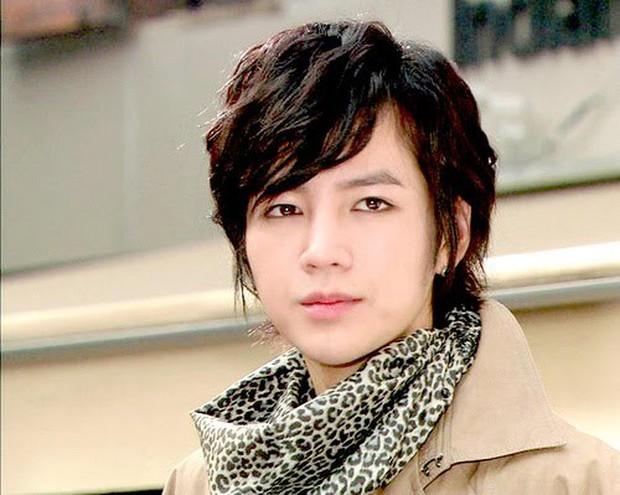 5 tạo hình lạnh lùng đến rợn tóc gáy của mỹ nam xứ Hàn: Lee Min Ho bá đạo không ai làm lại! - Ảnh 1.