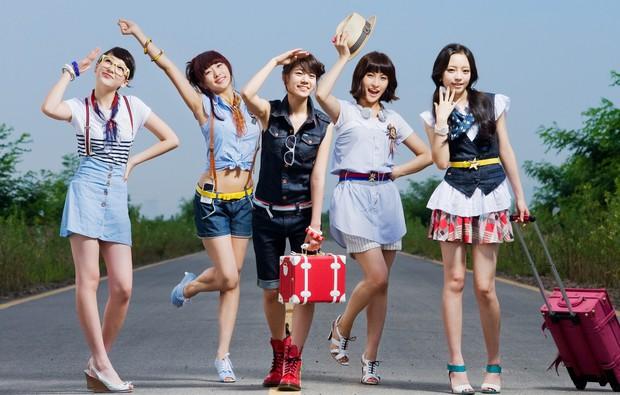 """10 girlgroup """"ẵm"""" nhiều cúp âm nhạc nhất: BLACKPINK mất hút, quán quân vẫn là 1 huyền thoại Kpop Gen 2 - Ảnh 1."""