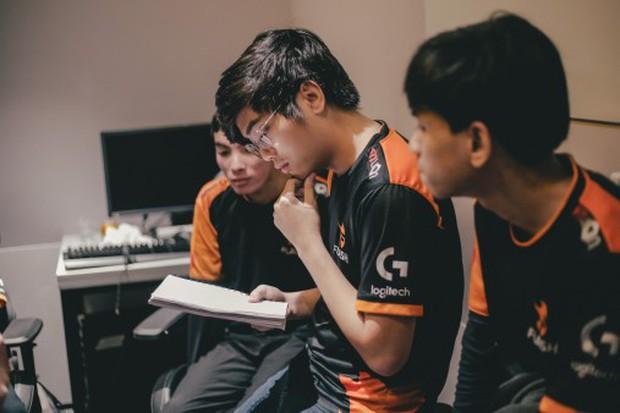Chung kết VCS mùa Hè: Team Flash phải làm gì để ngăn GAM Esports đoạt lại ngai vàng? - Ảnh 1.