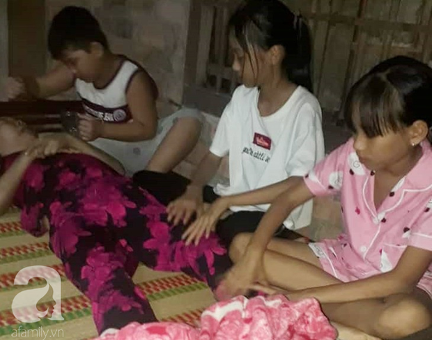Trung thu đượm buồn của ba đứa trẻ không cha, đau đớn nhìn người mẹ nằm chờ chết vì thiếu tiền chữa bệnh - Ảnh 2.