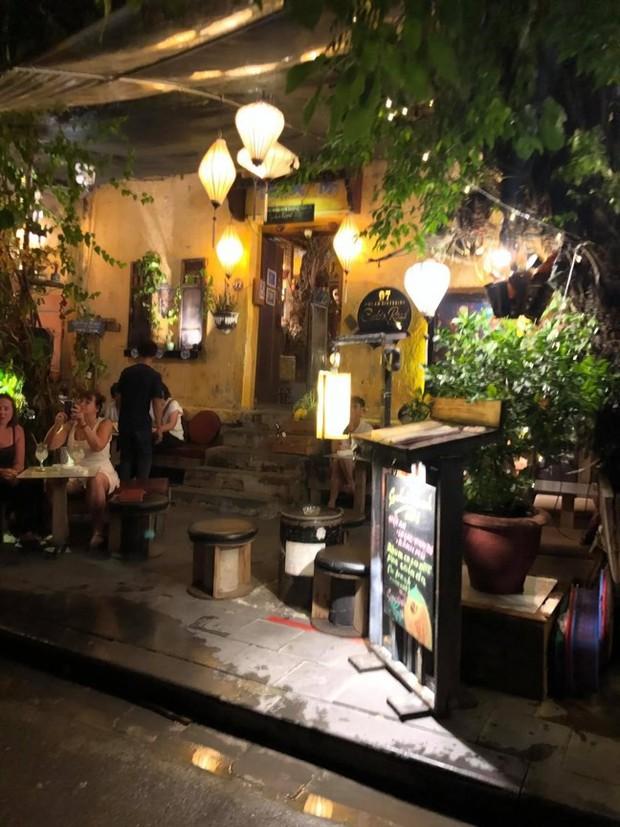 Vụ du khách tố quán cà phê chỉ phục vụ khách Tây, đuổi khách Việt ở Hội An: Chính quyền vào cuộc - Ảnh 1.