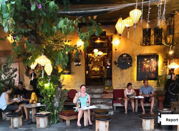 Vụ du khách tố quán cà phê chỉ phục vụ khách Tây, đuổi khách Việt ở Hội An: Chính quyền vào cuộc - Ảnh 2.