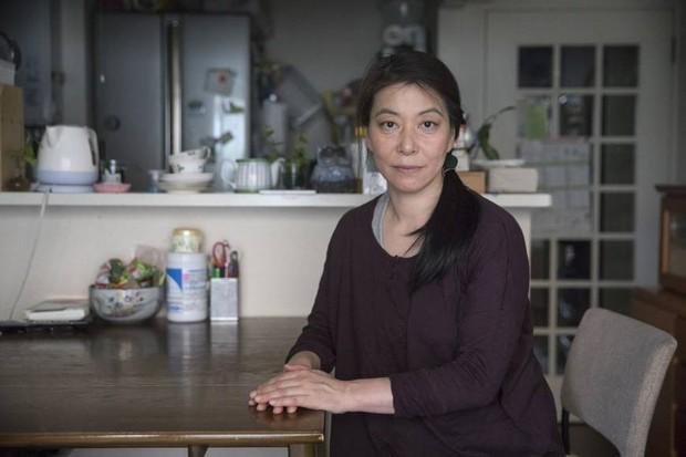 Câu chuyện về người phụ nữ quyết ly hôn vì bị gia đình chồng vắt kiệt sức và đời cơ cực của những bà mẹ đơn thân tại Nhật Bản - Ảnh 1.