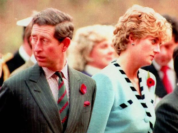 Công nương Diana: Cuộc đời đẫm nước mắt của đóa hồng nước Anh xinh đẹp, tài hoa nhưng bạc mệnh - Ảnh 13.