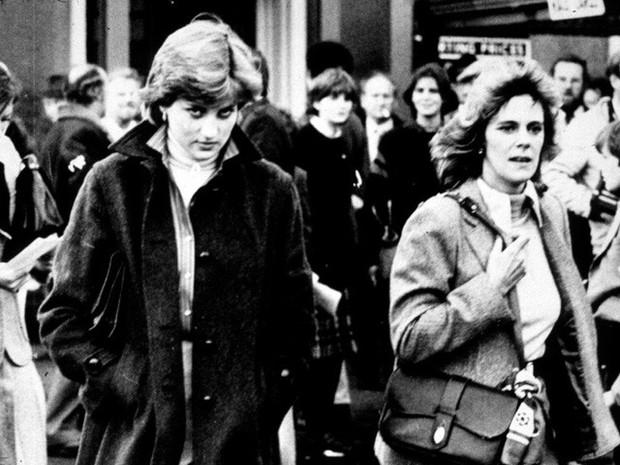 Công nương Diana: Cuộc đời đẫm nước mắt của đóa hồng nước Anh xinh đẹp, tài hoa nhưng bạc mệnh - Ảnh 14.