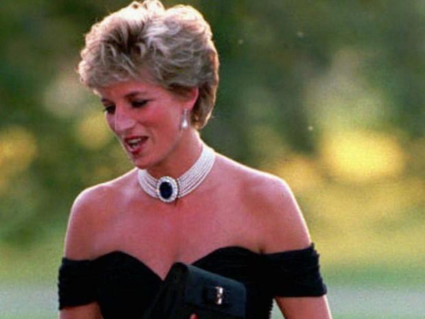 Công nương Diana: Cuộc đời đẫm nước mắt của đóa hồng nước Anh xinh đẹp, tài hoa nhưng bạc mệnh - Ảnh 16.
