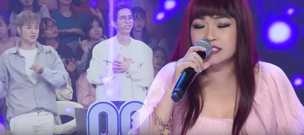Không còn hát chen ngang, Thanh Duy lên hẳn sân khấu để hóa Phương Thanh phiên bản lầy lội - Ảnh 2.
