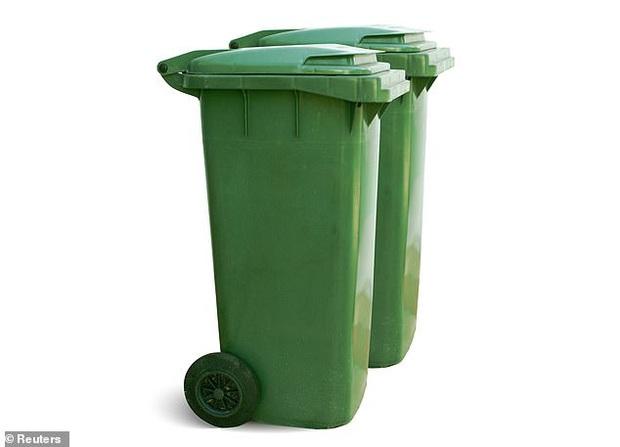 Những hình ảnh gây shock cho thấy chúng ta đang ăn nhựa nhiều như thế nào: Cả cuộc đời, bạn xơi nguyên một cái thùng rác - Ảnh 6.