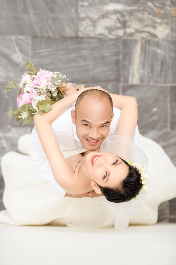 Tin hỉ mở màn Vbiz ngày đầu năm: Siêu mẫu Xuân Lan lên xe hoa ở tuổi 41, hé lộ bộ ảnh cưới lộng lẫy - Ảnh 5.