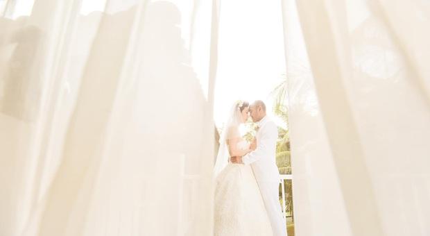 Tin hỉ mở màn Vbiz ngày đầu năm: Siêu mẫu Xuân Lan lên xe hoa ở tuổi 41, hé lộ bộ ảnh cưới lộng lẫy - Ảnh 9.