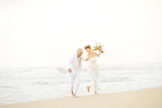 Tin hỉ mở màn Vbiz ngày đầu năm: Siêu mẫu Xuân Lan lên xe hoa ở tuổi 41, hé lộ bộ ảnh cưới lộng lẫy - Ảnh 11.