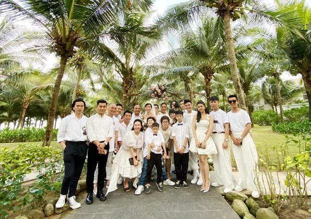 Dàn mẫu Next Top Model nô nức chúc mừng cô giáo Xuân Lan tổ chức đám cưới ngay đầu năm 2020 - Ảnh 2.
