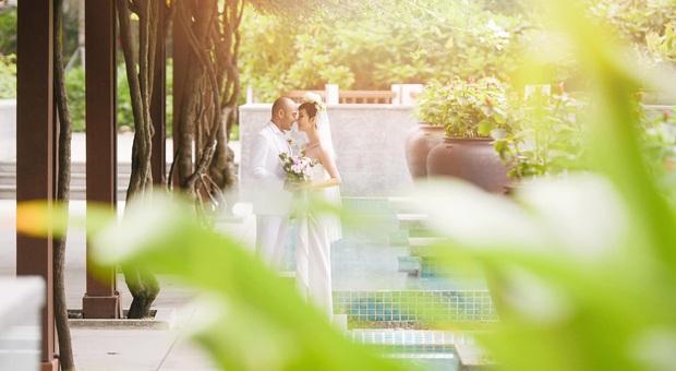 Tin hỉ mở màn Vbiz ngày đầu năm: Siêu mẫu Xuân Lan lên xe hoa ở tuổi 41, hé lộ bộ ảnh cưới lộng lẫy - Ảnh 14.