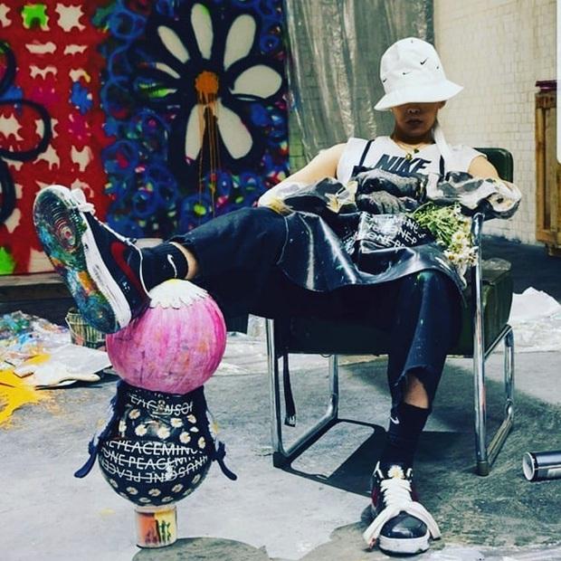 Góc hơi toang: Faker chào đón năm mới với pha tự hủy đôi giầy Nike ft G-Dragon giá gần trăm triệu - Ảnh 2.