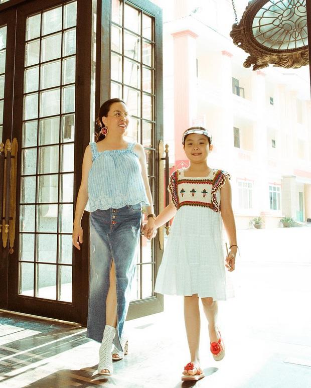 Con gái út của Phượng Chanel: 11 tuổi đã biết dùng đồ hiệu, sớm chứng tỏ gu thời trang sành điệu hơn hẳn bạn bè đồng trang lứa - Ảnh 3.