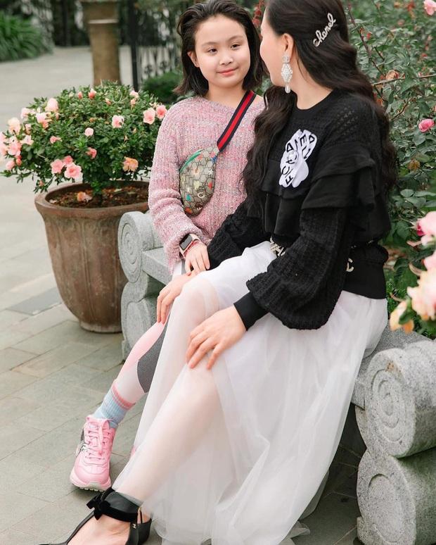 Con gái út của Phượng Chanel: 11 tuổi đã biết dùng đồ hiệu, sớm chứng tỏ gu thời trang sành điệu hơn hẳn bạn bè đồng trang lứa - Ảnh 7.