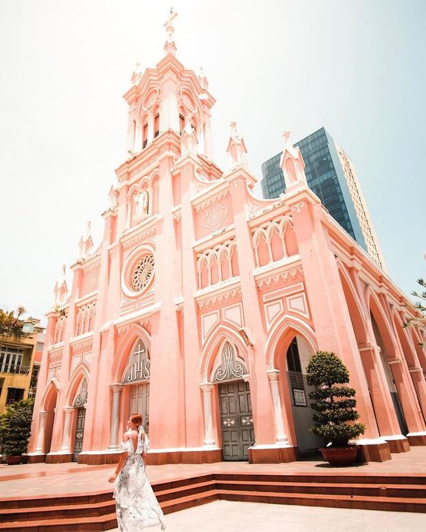 Góc trùng hợp: Hoá ra cả Đà Lạt và Đà Nẵng đều có 2 nhà thờ y chang nhau, lại cùng nằm trên một con đường trùng tên nữa chứ! - Ảnh 16.