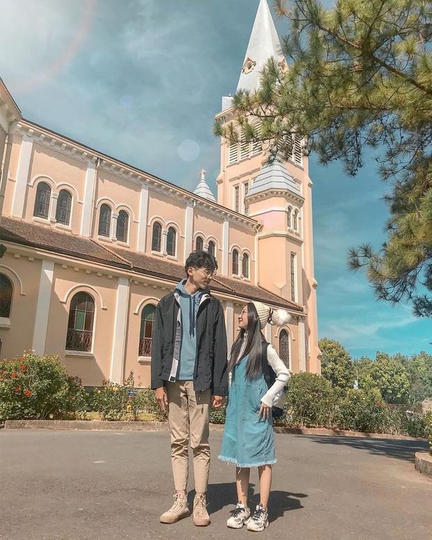 Góc trùng hợp: Hoá ra cả Đà Lạt và Đà Nẵng đều có 2 nhà thờ y chang nhau, lại cùng nằm trên một con đường trùng tên nữa chứ! - Ảnh 1.
