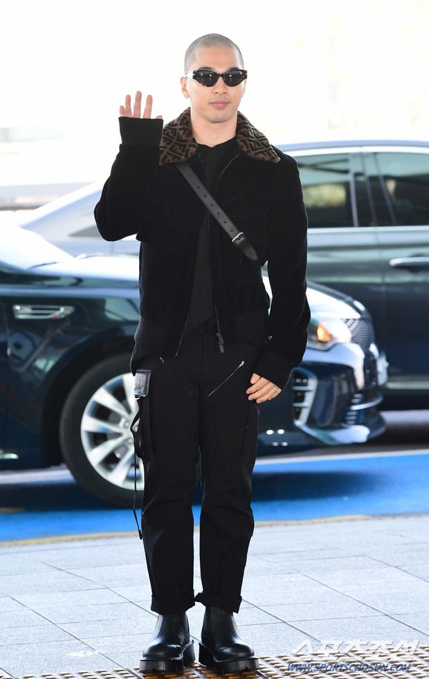 Taeyang (BIGBANG) lần đầu lộ diện sau thời gian vắng bóng, gây bão với đầu trọc càng nhìn càng ngầu muốn xỉu - Ảnh 2.