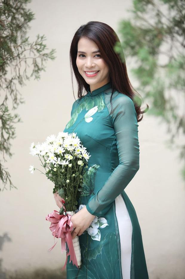 Bạn gái mới kém 17 tuổi sau cuộc hôn nhân 30 năm của Chí Trung: Là á hậu doanh nhân, sắc vóc không phải dạng vừa! - Ảnh 7.