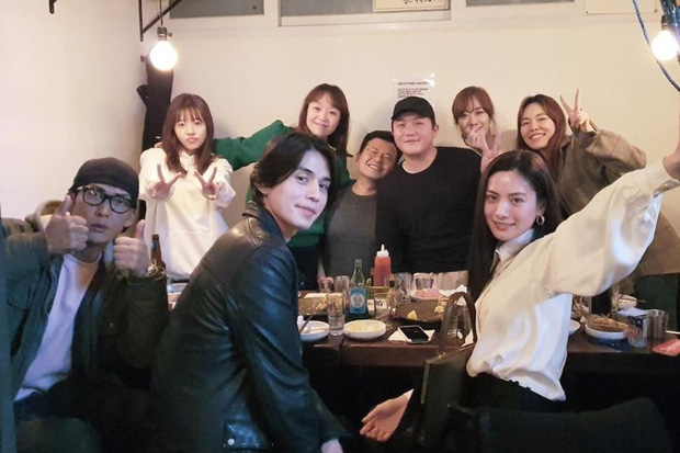 "Lee Dong Wook and Nana at a meeting of the cast of ""Roommate"" after 5 years"