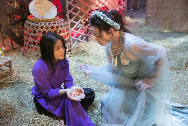 Thị Bình Nhật Kim Anh của Tiếng Sét Trong Mưa mang tích 12 Bà Mụ và truyền thuyết Thạch Sùng vào MV mới, khoe vẻ đẹp mặn mà không tuổi - Ảnh 7.