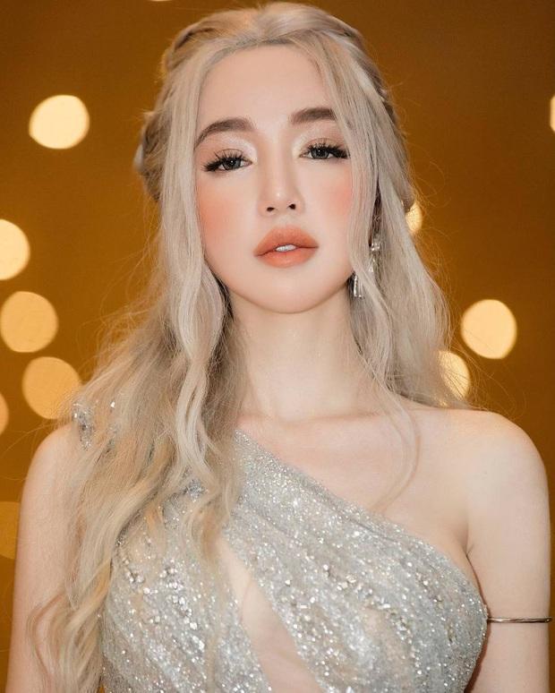 Line-up thảm đỏ WeChoice Awards 2019 khủng nhất Vbiz đầu năm: Từ Hoa hậu đến diễn viên, ca sĩ có tên tuổi đồng loạt đổ bộ! - Ảnh 46.